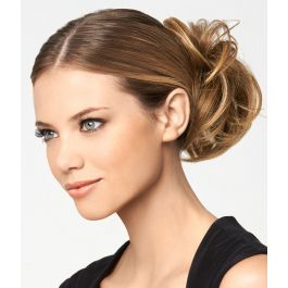 MODERN CHIGNON by Hairdo